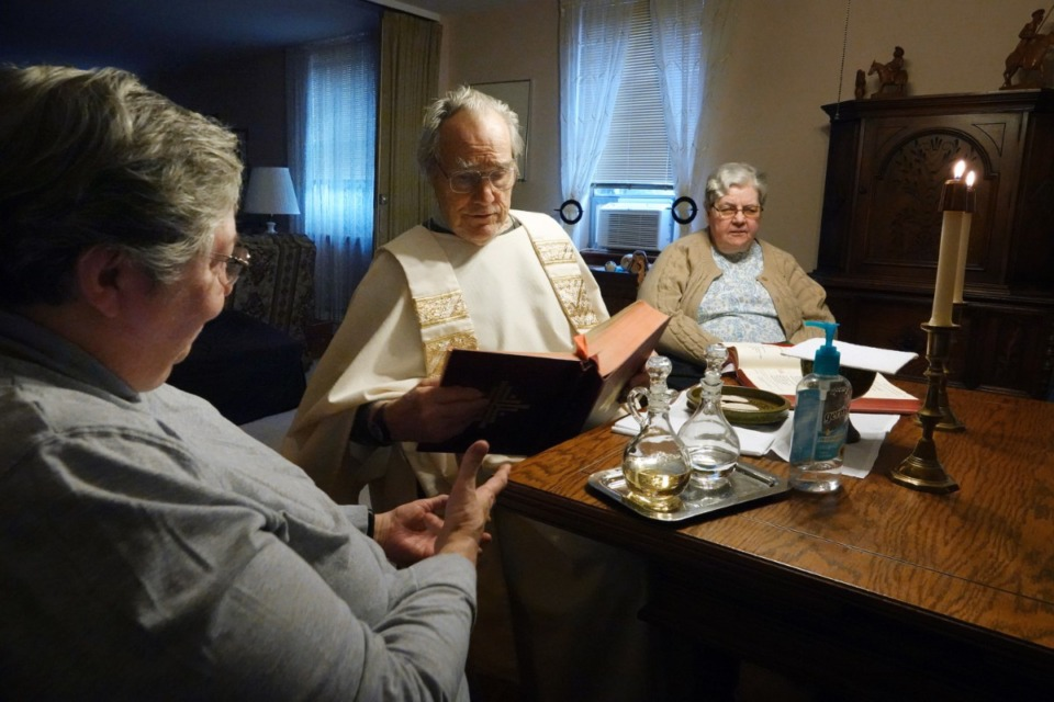 <strong>Three of the last people living in the Memphis monastery &ndash; Sister Claudia (from left), Father David Knight and Sister Mary Marguerite &ndash; had one final mass together shortly before the nuns pulled away once and for all. The three have lived in the monastery most of their adult lives.</strong> (Karen Pulfer Focht/Special to The Daily Memphian)
