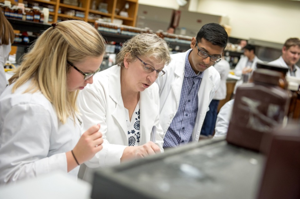 <strong>UTHSC students train in the pharmacy college. Tuition for undergraduates could rise up to 2% this fall depending on how much state funding the school gets.&nbsp;</strong>(Courtesy UTHSC)