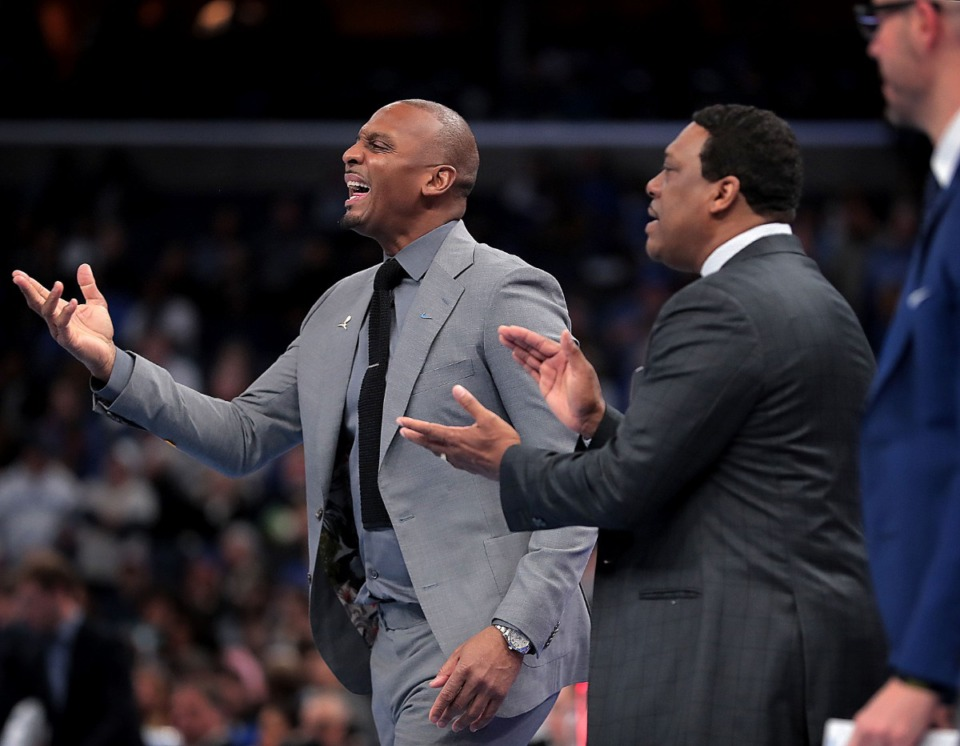 <strong>University of Memphis head coach Penny Hardaway (left) reacts to a foul call during the Tigers' game on Jan. 25, 2020, against SMU at the FedExForum.</strong> (Jim Weber/Daily Memphian)