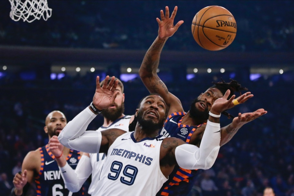 <strong>Memphis Grizzlies' Jae Crowder (99) competes for control of the ball with New York Knicks' Reggie Bullock, right, Jan. 29, 2020, in New York.</strong> (Frank Franklin II/AP)