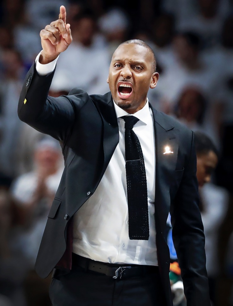 <strong>Memphis head coach Penny Hardaway calls a play during action against UCF on Wednesday, Jan. 29, 2020, in Orlando.</strong> (Mark Weber/Daily Memphian)