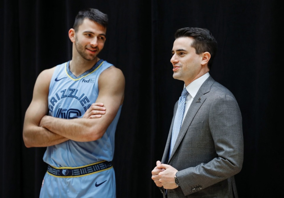 <strong>Executive Vice President of Basketball Operations Zach Kleiman (right) chats with John Konchar during Media Day Monday, Sept. 30, 2019.</strong> (Mark Weber/Daily Memphian)