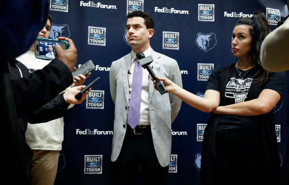 <strong>Grizzlies' Vice President of Basketball Operations Zach Kleiman (middle) speaks during a press conference Monday, Feb. 10, 2020 at FedExForum.</strong> (Mark Weber/Daily Memphian)