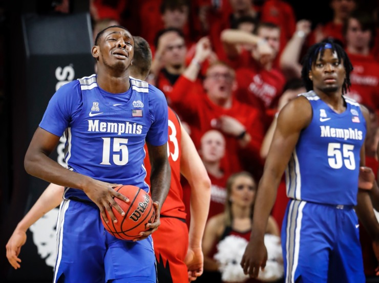 <strong>Memphis forward Lance Thomas (left) reacts after being called for a foul against Cincinnati Thursday, Feb. 13, 2020.</strong> (Mark Weber/Daily Memphian)
