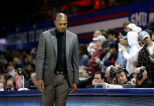 <strong>University of Memphis coach Penny Hardaway hangs his head during a road loss against the Southern Methodist University Mustangs in Dallas Feb. 25, 2020.</strong> (Patrick Lantrip/Daily Memphian)