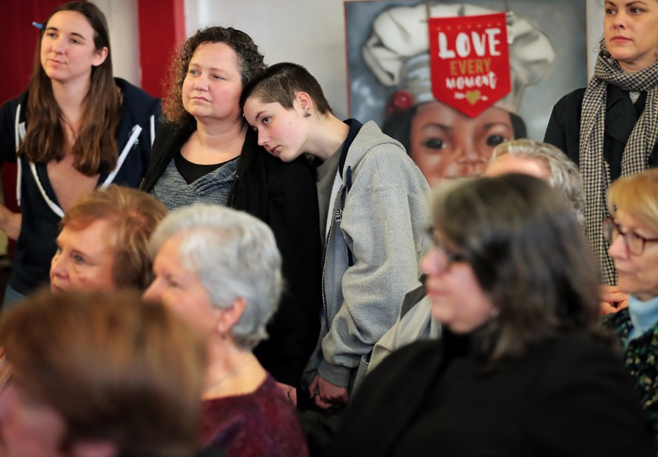 <strong>A crowd of Elizabeth Warren supporters listens as actor Ashley Judd draws comparisons between her life and that of the Massachusetts senator during a campaign rally at Makeda's Cookies on Feb. 26, 2020.</strong> (Jim Weber/Daily Memphian)