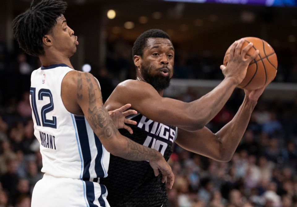 <strong>Sacramento Kings forward Harrison Barnes (40) looks to pass while defended by Memphis Grizzlies guard Ja Morant (12) Feb. 28, 2020, at FedExForum.</strong> (Nikki Boertman/AP)