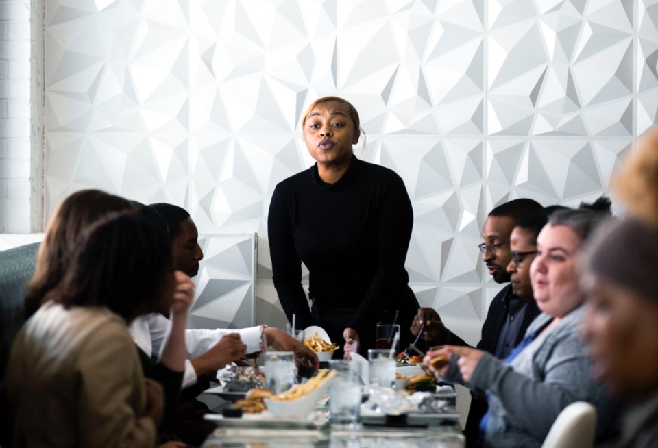<strong>Jalillian Davidson, a waitress at Sage Restaurant, serves customers during lunch hour on Monday, Feb. 18, 2019. Sage will be participating in Memphis Black Restaurant Week.</strong>&nbsp;(Houston Cofield/Daily Memphian file)
