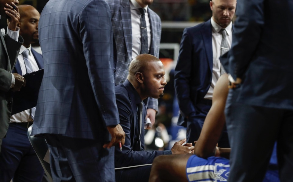 """<strong>A glum Penny Hardaway (middle) talks with the team during the 40-point loss to Tulsa Jan. 22, 2020, in Tulsa, Oklahoma. Hardaway will lead his Tigers in an AAC Tournament without fans in the seats beginning Thursday, March 12.</strong>&nbsp;""""<strong>It will be really weird,&rdquo; he said. &ldquo;That&rsquo;s the word I keep using, because we&rsquo;ve never played a real game not in front of fans.""""</strong> (Mark Weber/Daily Memphian file)"""