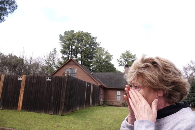 <strong>Debby Dahlhoff is moved to tears as she revisits the Southeast Memphis home where she was raped and tortured in 1985.&nbsp;</strong>(Karen Pulfer Focht/Special to The Daily Memphian)