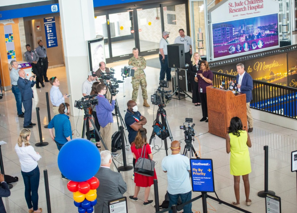 <strong>The press practices social distancing while covering Gov. Bill Lee's press conference at Memphis International Airport on March 27, 2020.</strong> (Greg Campbell/Special to The Daily Memphian)