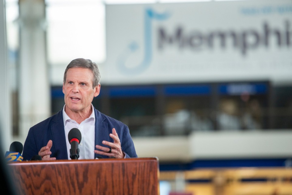 <strong>Gov. Bill Lee holds a press briefing on the COVID-19 virus at Memphis International Airport Friday, March 27, 2020. Lee said Tuesday that he hasn't asked the governors of Arkansas and Mississippi to match Tennessee's coronavirus response.</strong>&nbsp;(Greg Campbell/Special for The Daily Memphian)