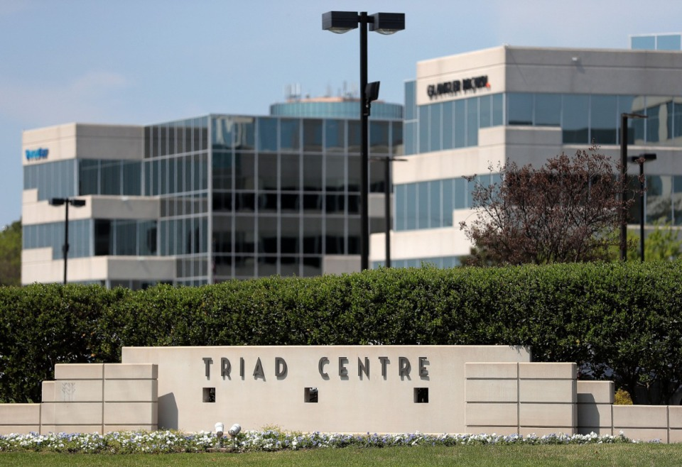 <strong>Boyle Investment Co. purchased from Highwoods Properties the three Triad Centre buildings at 6000, 6060 and 6070 Poplar (shown here) and the International Place II Tower at 6410 Poplar.</strong> (Jim Weber/Daily Memphian)