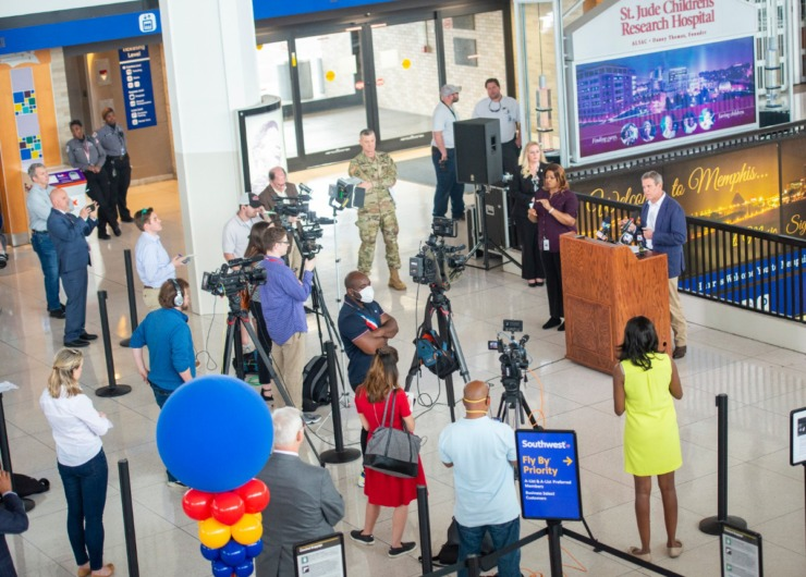 <strong>Governor Bill Lee holds his daily press briefing on the Covid 19 virus at the Memphis International Airport Friday, March 27, 2020. The press practiced social distancing while covering the press conference.</strong> (Greg Campbell/Special for The Daily Memphian)