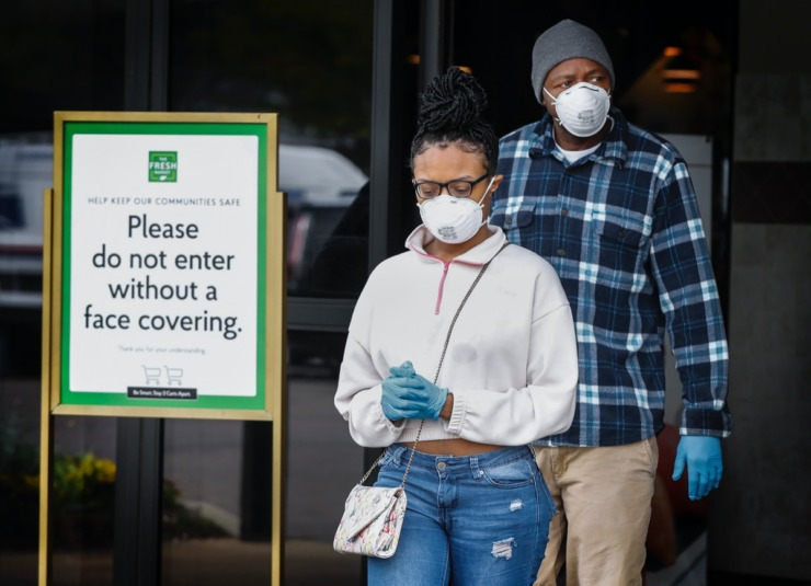 <strong>Fresh Market customers were asked to wear face masks when entering the store starting Tuesday, April 14, 2020.</strong> (Mark Weber/Daily Memphian)