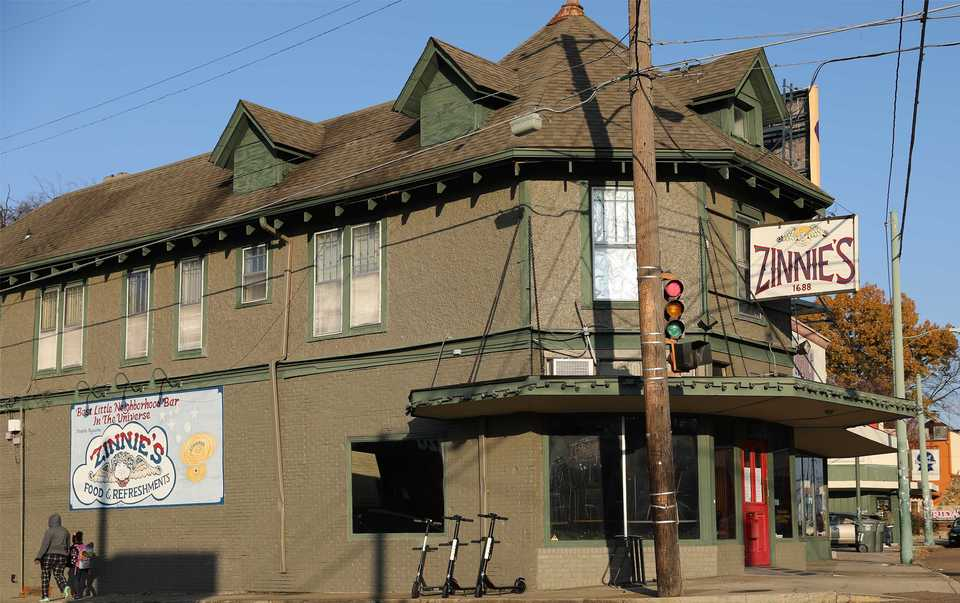 <strong>The recently shuttered Old Zinnie's, a Midtown staple at the corner of Madison and Belvedere, closed its doors Monday, Nov. 26.</strong> (Patrick Lantrip/Daily Memphian)
