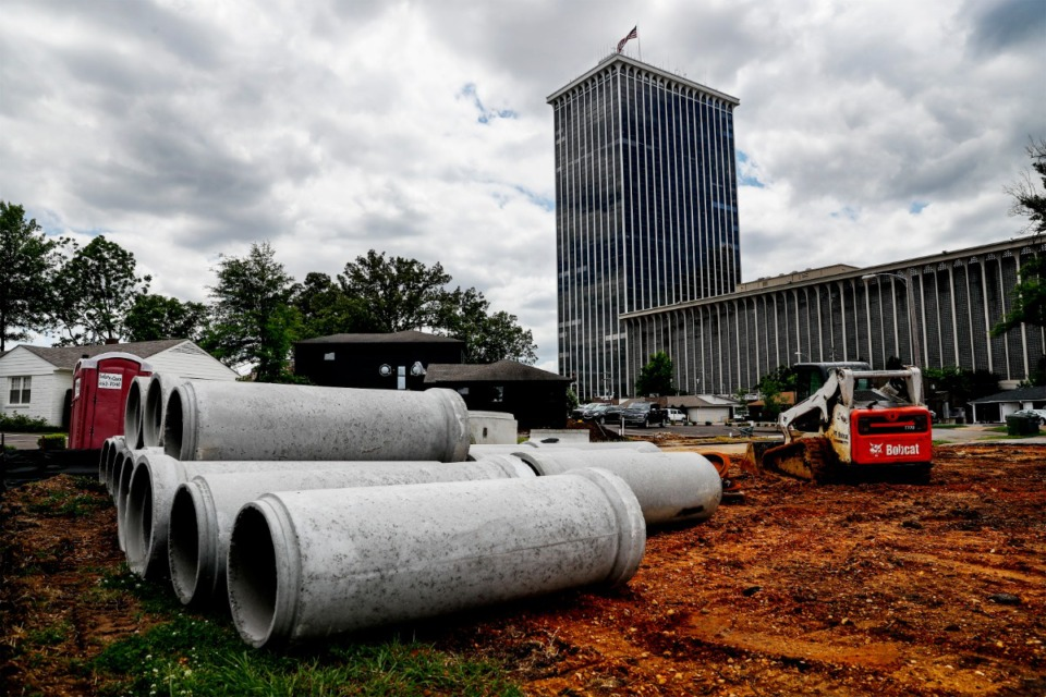 <strong>Brookhaven Lofts, combining apartments and live/work units, will be going up in the shadow of Clark Tower.</strong> (Mark Weber/Daily Memphian)