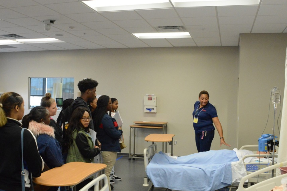 <strong>Sheila Bouie, head of nursing education at SWCC, instructs prospective high school students interested in nursing at the Union Avenue Campus.</strong> (Submitted)