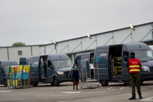 <strong>Amazon employees load delivery vans on Friday morning, May 29, at the Amazon Delivery Station, 3347 Pearson.</strong> (Tom Bailey/The Daily Memphian)