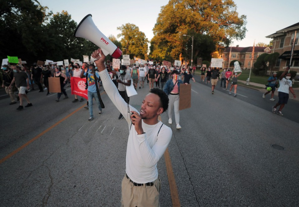<strong>A crowd of protesters shut down Poplar Avenue near Overton Park June 6, 2020 during the eleventh day of protesting over the death of George Floyd.</strong> (Patrick Lantrip/Daily Memphian)