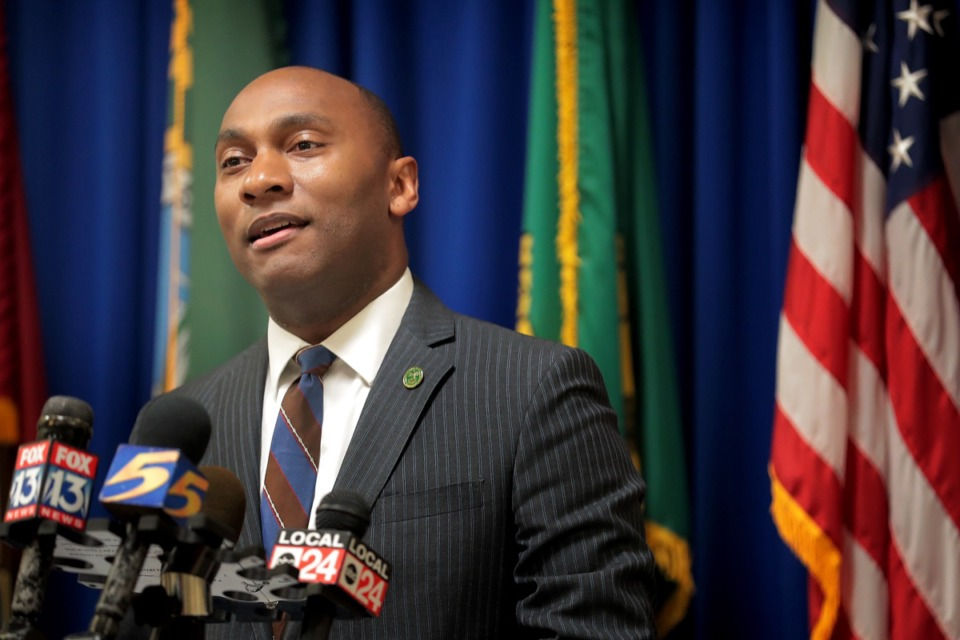 <strong>&ldquo;You guys meet for several hours not once, not twice, but often to get the job done for your constituents,&rdquo; Shelby County Mayor Lee Harris (in a file photo) said at 12:10 a.m. Tuesday, June 23.</strong>&nbsp;(Jim Weber/Daily Memphian)