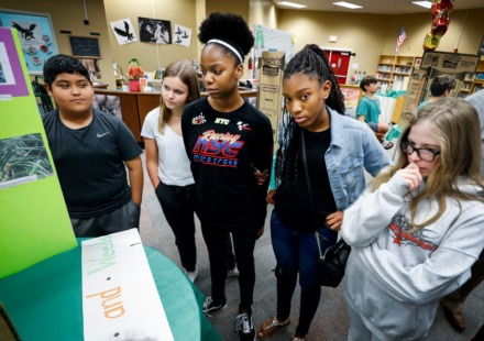 <strong>West Collierville Middle students listened to classmates explain their science fair projects during a Agri-STEM career day Friday, Sept. 20, 2019. Most suburban schools&rsquo; plans for notifying families who child has been exposed to coronavirus are unclear.&nbsp;</strong>(Mark Weber/Daily Memphian)