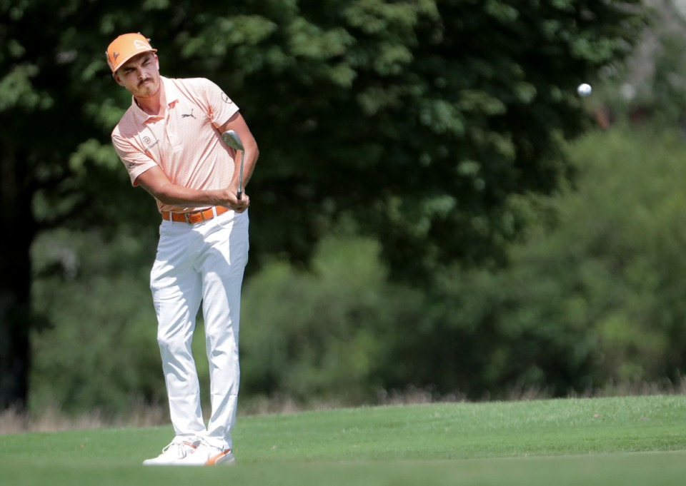 <strong>Rickie Fowler chips the ball during the final round of the WGC-FedEx St. Jude Invitational in Memphis, Tennessee Aug. 2, 2020.</strong> (Patrick Lantrip/Daily Memphian)