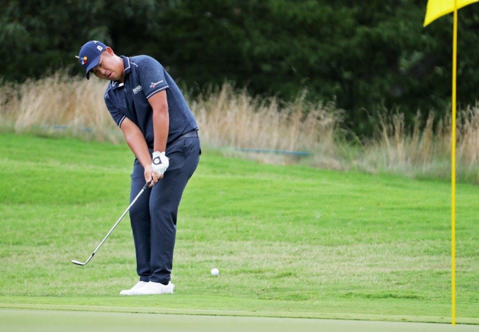 <strong>An Byeong-hun chips onto the sixth green during the final round of the WGC-FedEx St. Jude Invitational in Memphis, Tennessee Aug. 2, 2020.</strong> (Patrick Lantrip/Daily Memphian)
