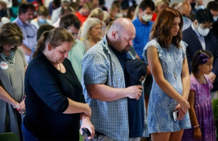 <strong>Supporters of&nbsp;Republican U.S. Senate candidate Manny Sethi pray at a campaign event on Monday, Aug. 3, 2020 at The Grove at Red Oak Lake. U.S. Sen. Ted Cruz of Texas was on hand to lend his support.</strong> (Mark Weber/Daily Memphian)