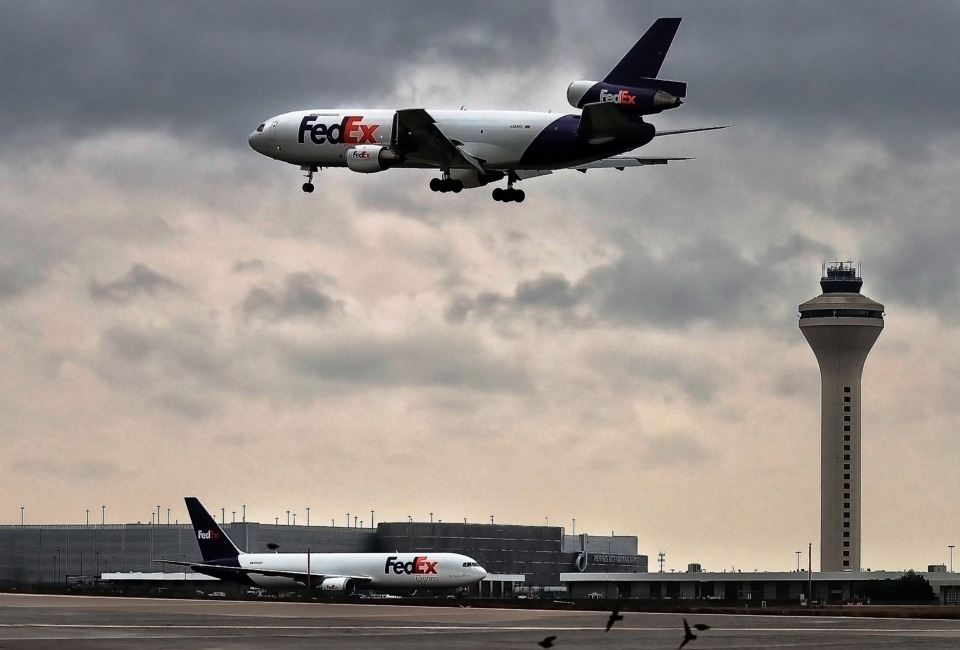 <strong>FedEx shares have soared since June as the company takes advantage of captive markets created by the COVID-19 pandemic. The&nbsp;surge in e-commerce has increased volume and improved FedEx&rsquo;s bargaining power with shippers in the U.S. domestic market.</strong> (Daily Memphian file)&nbsp;