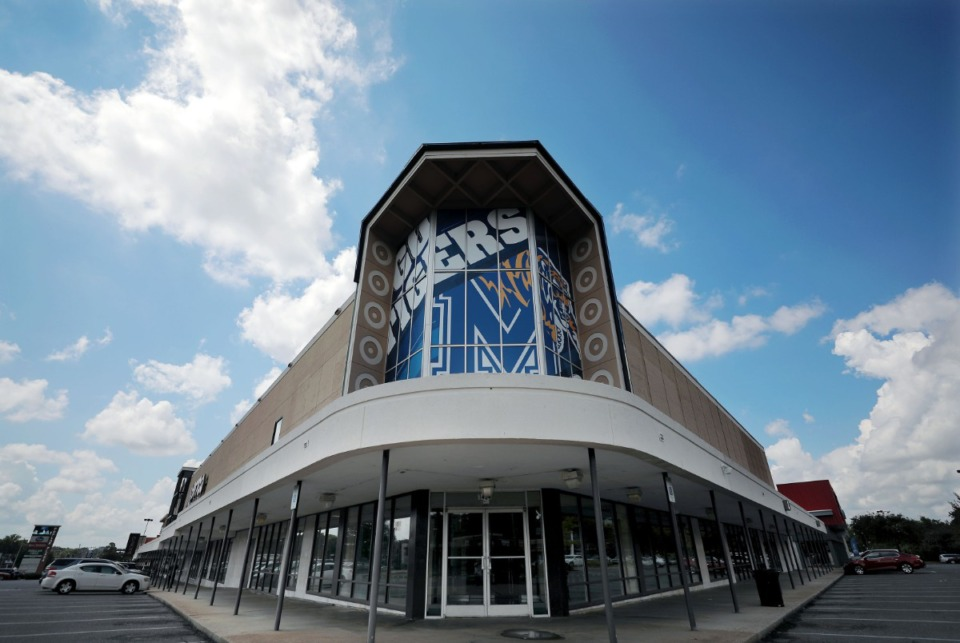 <strong>The space nearest to the intersection of Poplar Avenue and Highland Street inside the Poplar Plaza shopping center awaits a new tenant Aug. 14, 2020.</strong> (Patrick Lantrip/Daily Memphian)