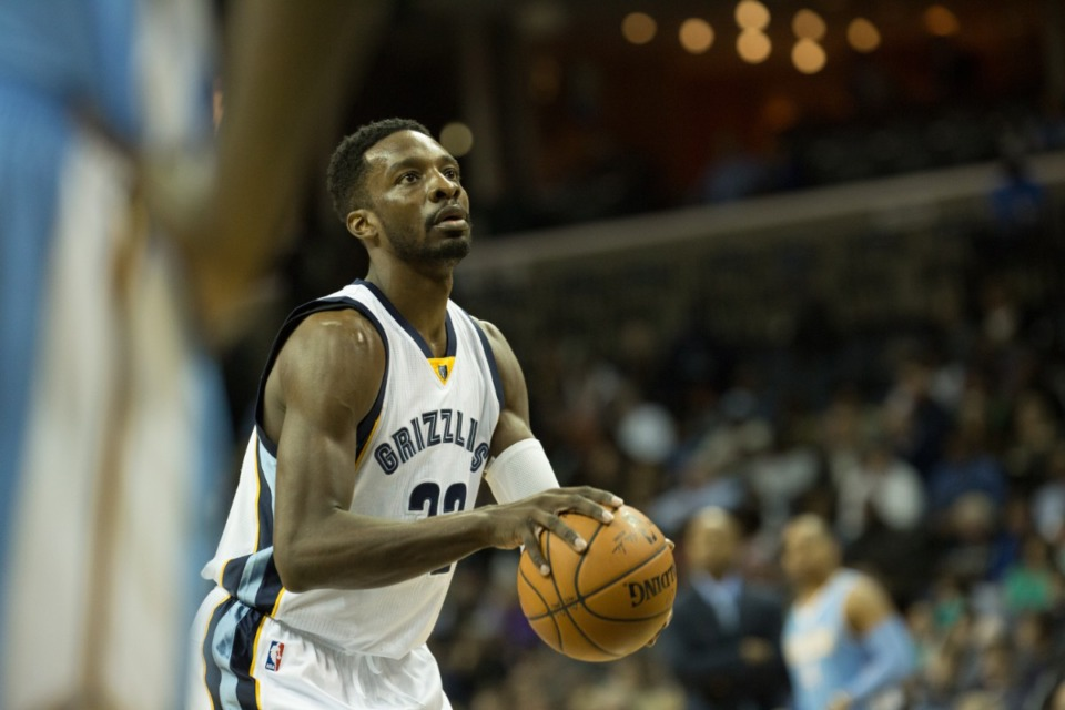 <strong>Jeff Green (preparing to shoot in a Grizzlies vs. Nuggets game Jan. 29, 2015) infuriated many Grizzlies fans.&nbsp;</strong>(Daily Memphian file)
