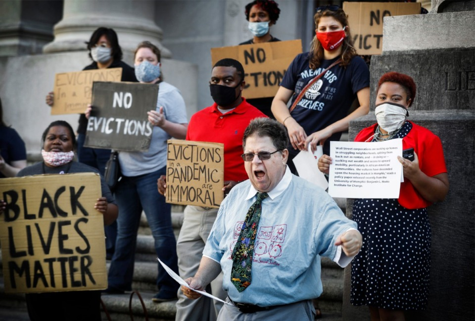 <strong>Jewish Memphians for Social Justice Founder Charlie Belenky (right bottom) leads a group assembled on the steps of the Judge D&rsquo;army Bailey Courthouse on Monday, June 15, 2020, as they beg the court to consider the danger of putting families out on the streets during a global pandemic.</strong>&nbsp;(Mark Weber/Daily Memphian file)