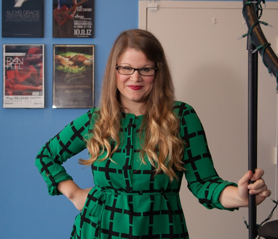 <strong>Elizabeth Cawein (seen here in 2016) helped create the 30-minute mini-showcase at the Americana Music Association&rsquo;s Thriving Roots virtual different.</strong>&nbsp;(Daily Memphis file)