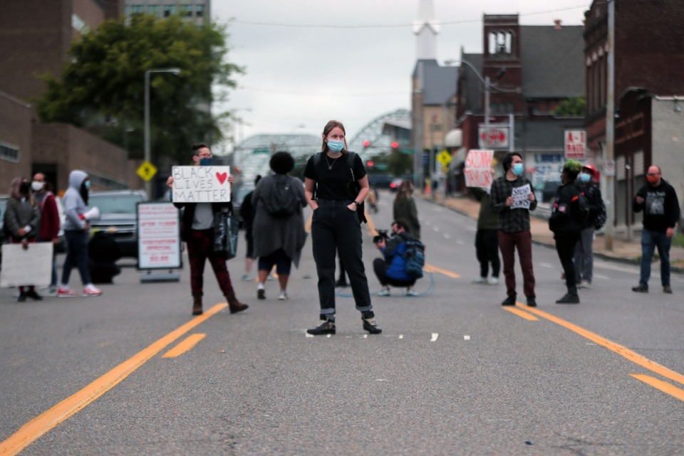 <strong>Protesters block Poplar Avenue in front of the Shelby County Criminal Justice Center Sept. 24, 2020, to demand justice for Breonna Taylor.</strong> (Patrick Lantrip/Daily Memphian)