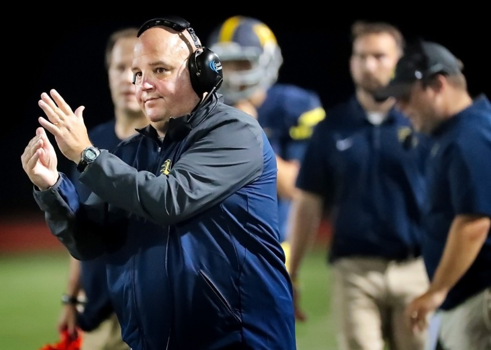 <strong>Lausanne, coached by Kevin Locastro (center), has only played one game so far this season. Whether the Lynx are rested or rusty could determine the game against ECS Friday, Oct. 2.</strong>&nbsp;(Daily Memphian file)