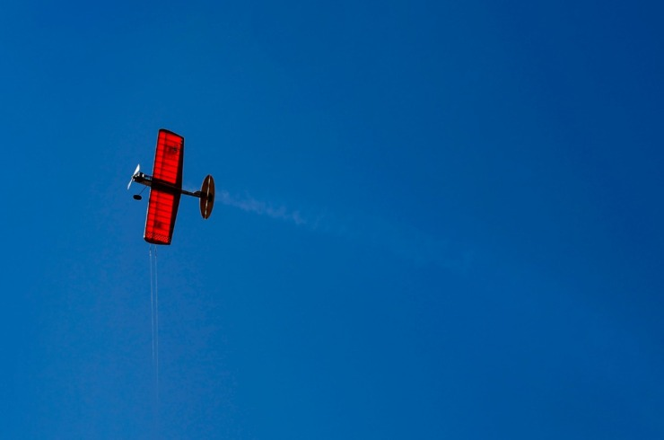 <strong>A Ringmaster airplane maneuvers while flying on Thursday, Oct. 1, 2020 at Audubon Park.</strong> (Mark Weber/The Daily Memphian)