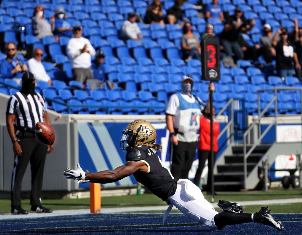 <strong>University of Central Florida receiver Jaylon Robinson (1) stretches out for a catch that was just beyond his fingertips during an Oct. 17, 2020 game against the University of Memphis at Liberty Bowl Memorial Stadium.</strong> (Patrick Lantrip/Daily Memphian)