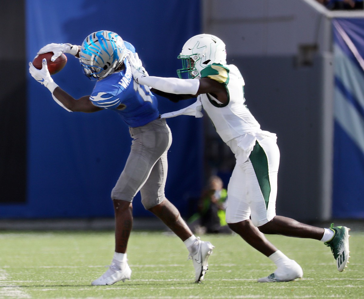 <strong>University of Memphis receiver Tahj Washington (18) catches a pass during the fourth quarter of a Nov. 7, 2020 home game at the Liberty Bowl Memorial Stadium against the University of South Florida.</strong> (Patrick Lantrip/Daily Memphian)