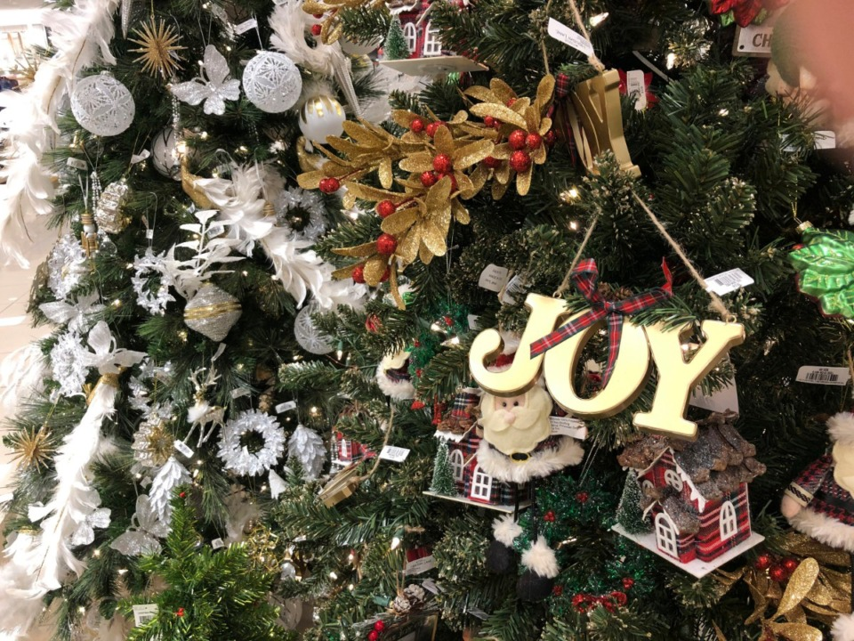 <strong>Prison Fellowship Ministries has an Angel Tree program to provide Christmas gifts for children who have a parent who&rsquo;s incarcerated. To sponsor a child in Shelby County, call 1-800-552-6435.&nbsp;</strong>(David Zalubowski/AP)