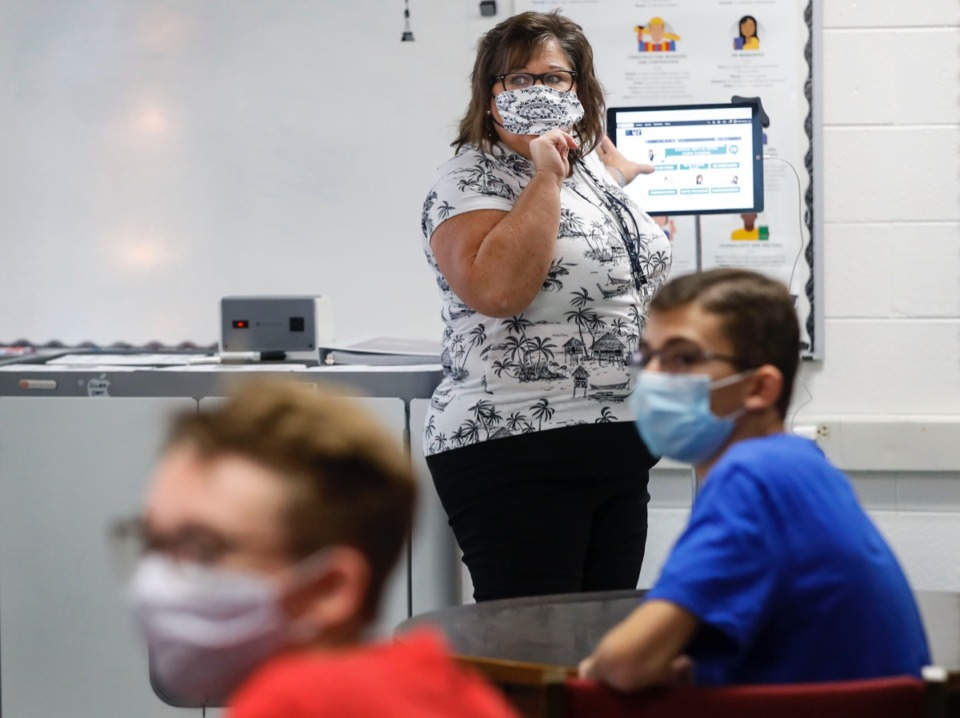 <strong>Houston High School teacher Beth Alsbrook takes her students through an AP Computer Science lessons on the first day of school Monday, Aug. 17, 2020</strong>. (Mark Weber/Daily Memphian file)