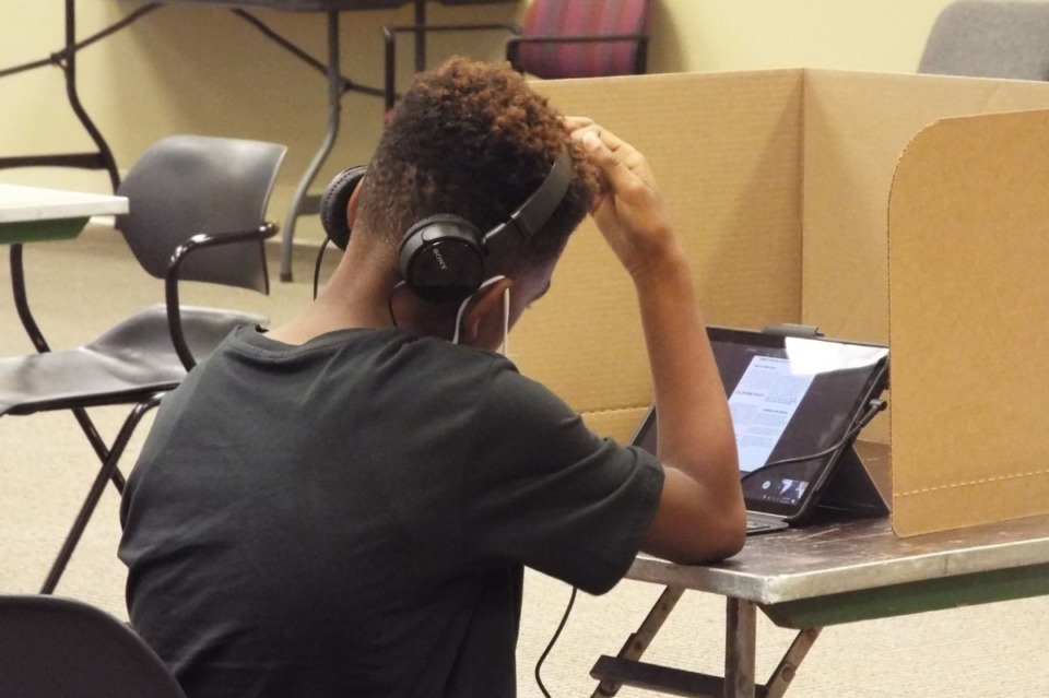 <strong>Students will continue to learn online even after Shelby County Schools plans to reopen buildings in January.</strong> (Jacinthia Jones/Chalkbeat)