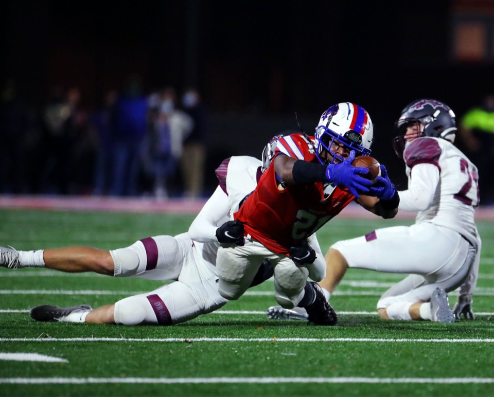 <strong>Bartlett running back Robert Giaimo (21) dives for extra yardage Nov. 20, 2020, against Collierville.</strong> (Patrick Lantrip/Daily Memphian)