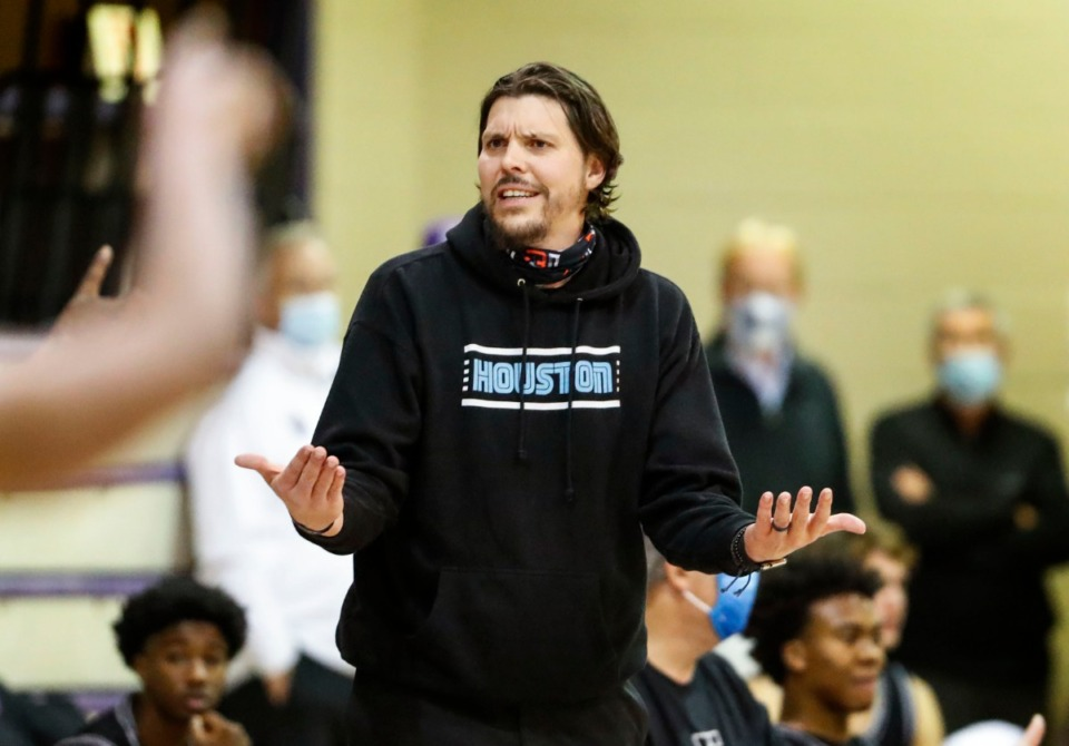 <strong>Houston head coach Mike Miller reacts to an official&rsquo;s call during the game against CBHS on Dec. 1, 2020.</strong> (Mark Weber/The Daily Memphian)
