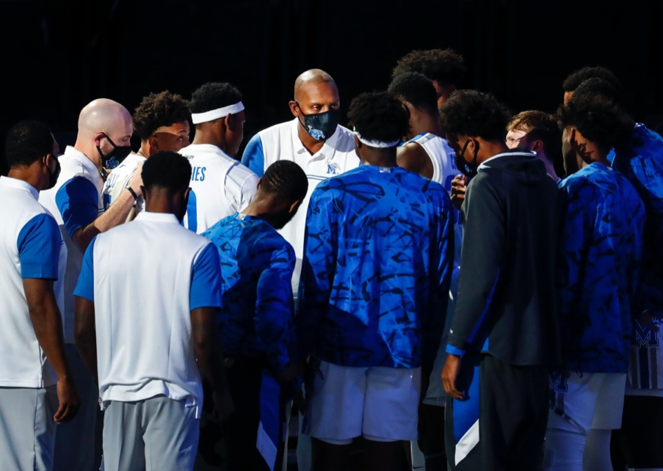 <strong>Memphis head coach Penny Hardaway gathers his players before taking on Arkansas State on Wednesday, Dec. 2, 2020.</strong> (Mark Weber/The Daily Memphian)