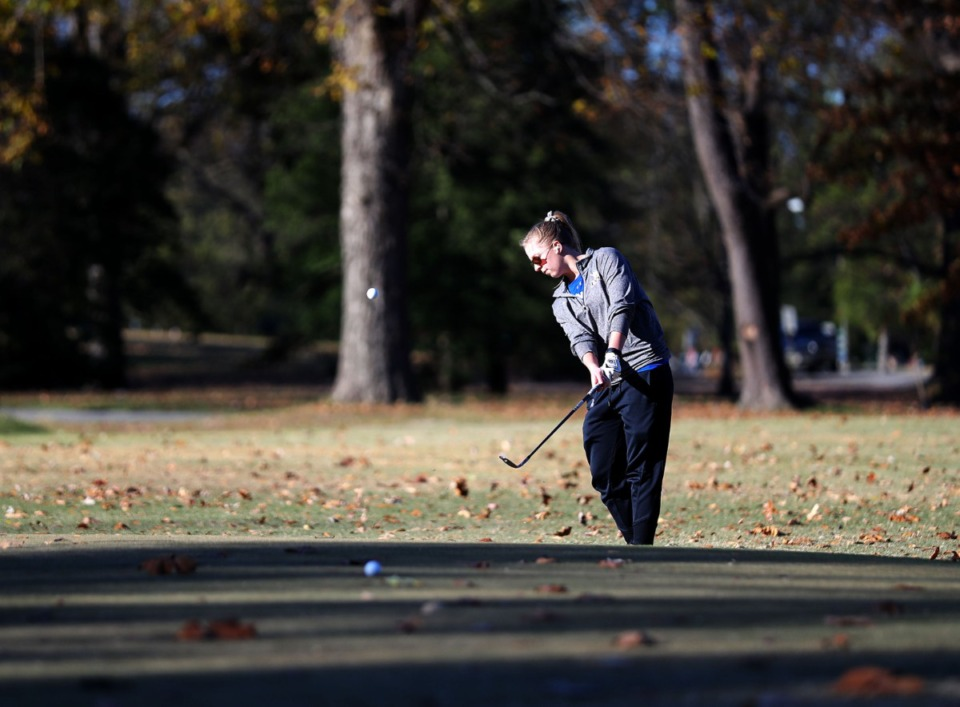 <strong>Rhodes College senior Tabitha Diehl practices chipping at Overton Park Nov. 19, 2020.</strong>&nbsp;<strong>Dan Conaway won both a bet and true love on the same links.</strong> (Patrick Lantrip/Daily Memphian)