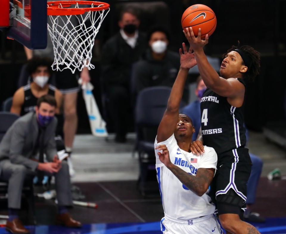 <strong>&ldquo;I feel like I do put a lot of pressure on myself. But now I just learned to like, you know, just play,&rdquo; Tigers forward D.J. Jeffries said after his 15-point explosion Dec. 4.&nbsp;&ldquo;Just play and let the game come to me.&rdquo;</strong>&nbsp;(Patrick Lantrip/Daily Memphian)