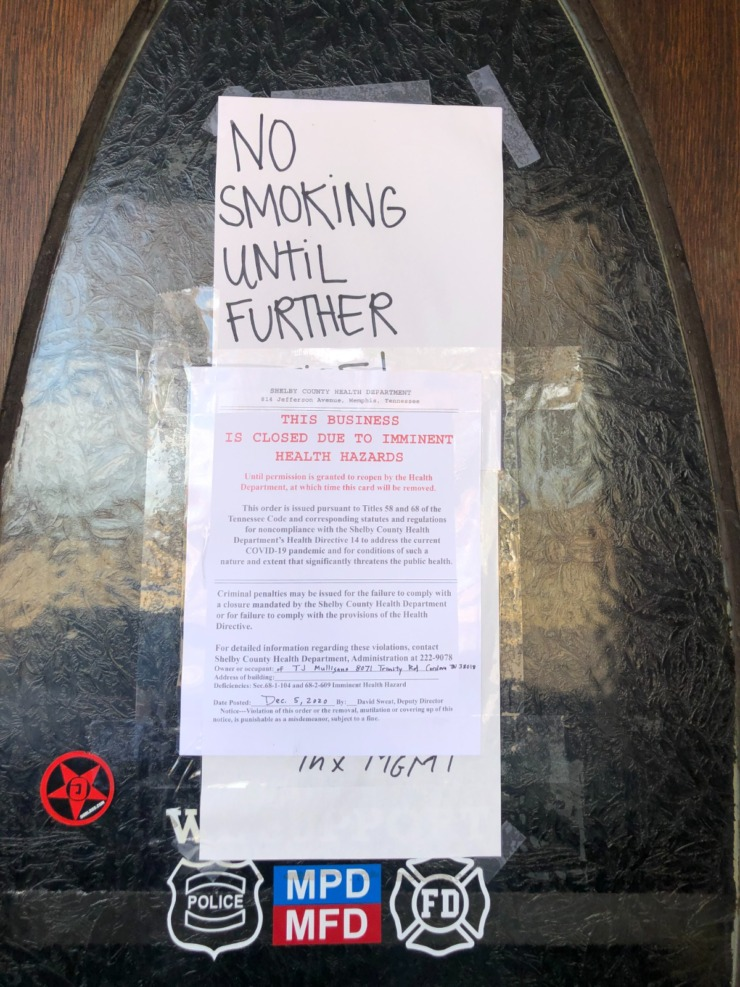 <strong>The sign on the door at T.J. Mulligan&rsquo;s on North Houston Levee. Both Cordova locations of the popular restaurant were closed by the Health Department on Dec. 5.</strong> (Jennifer Biggs/Daily Memphian)