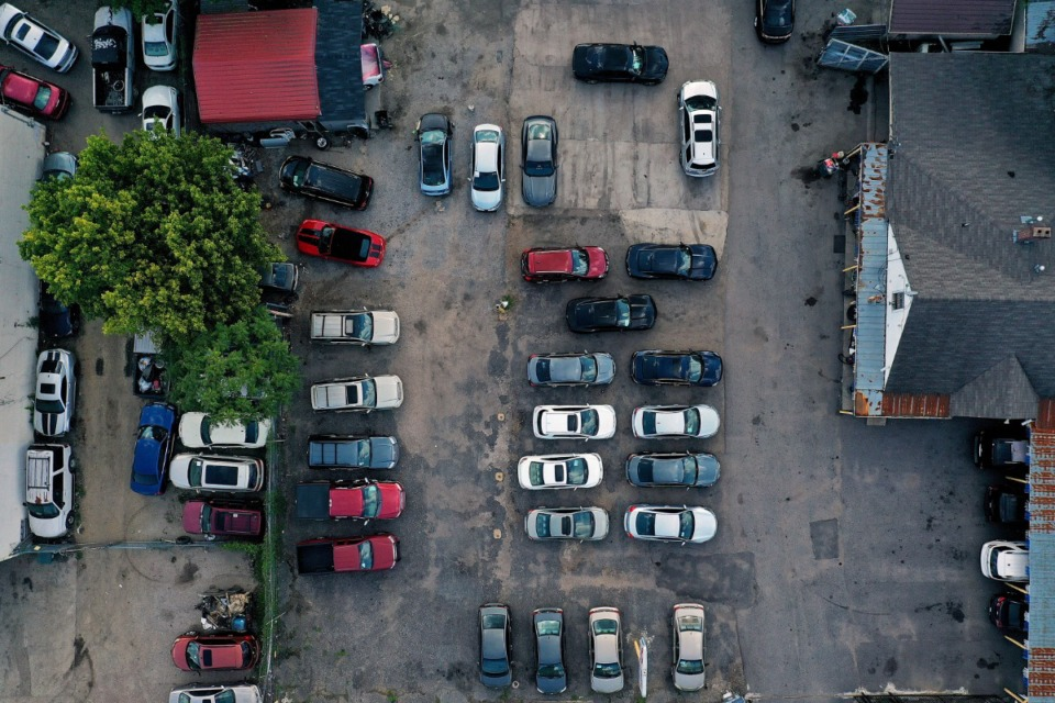 <strong>The Super Cars Auto Sales car lot on the corner of Lamar Avenue and Barron Avenue can be seen from above.</strong> (Patrick Lantrip/Daily Memphian)