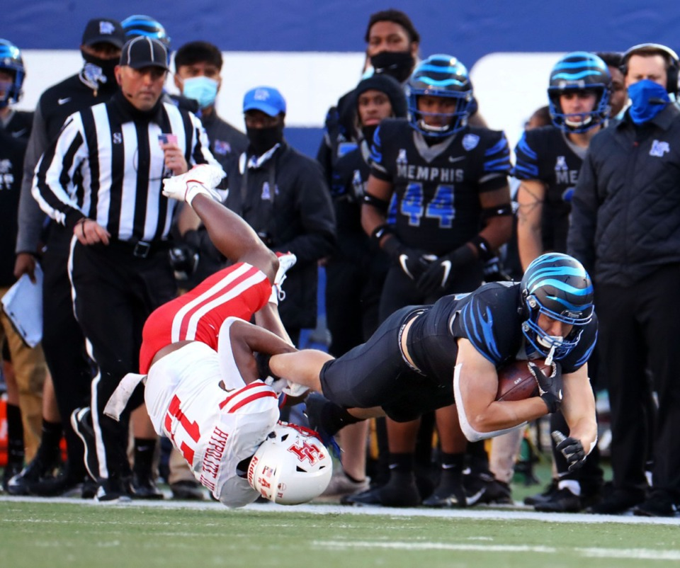 <strong>University of Memphis tight end Caden Prieskom (86) gets tackled during a Dec. 12, 2020 game against the University of Houston.</strong> (Patrick Lantrip/Daily Memphian)